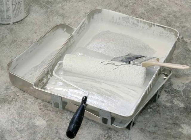 Шпаклевка гипсокартона под обои: нужно ли и можно ли клеить без, как и чем штукатурить, грунтовка стен, как правильно