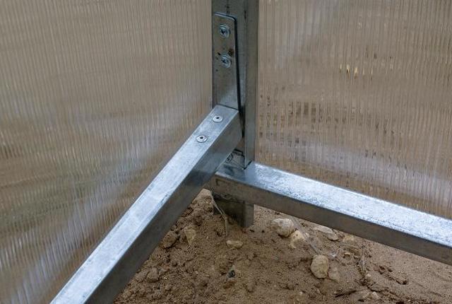 Каркас теплицы из оцинкованного профиля: поликарбоната производитель, усиленный парник под пленку, из стали лента
