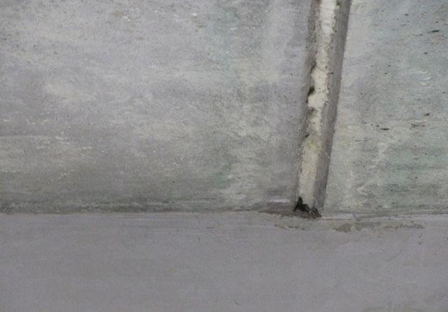 Чем заделать швы между плитами на потолке: замазать стыки перекрытия, стены видны, деформацию убрать и закрыть