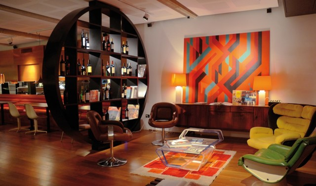 Бюджетный интерьер зала фото: вариант для квартиры, как дешево украсить гостиную, эконом цветы, недорогой дизайн