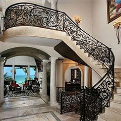 Поручни для лестниц из нержавейки: металлические и хромированные, кованые из стали для римской, фото