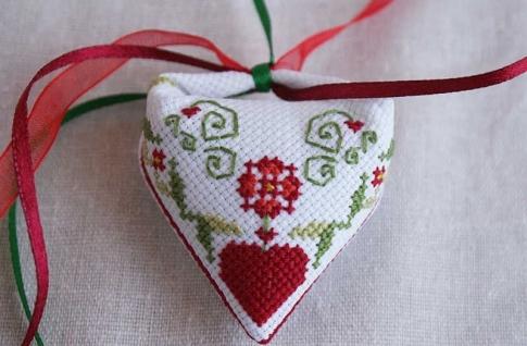 Бискорню схемы вышивки крестом: скачать бесплатно новые, новогодние розы