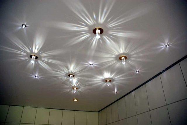 Лампы для натяжного потолка: фото светодиодных, типы и мощность, светильники галогеновые для точечных