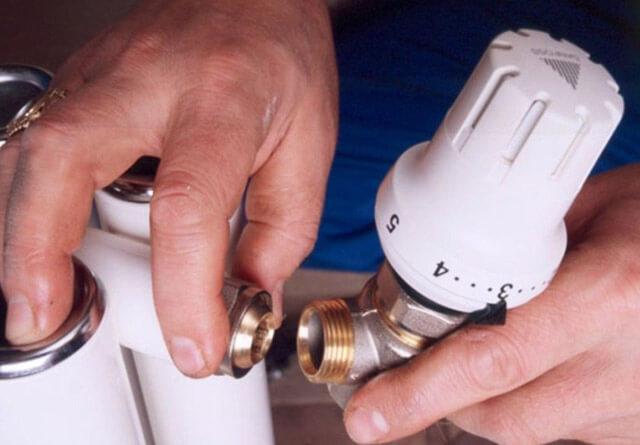 Терморегулятор для радиатора отопления: регулятор температуры на батарее, установка термостата и термоклапана