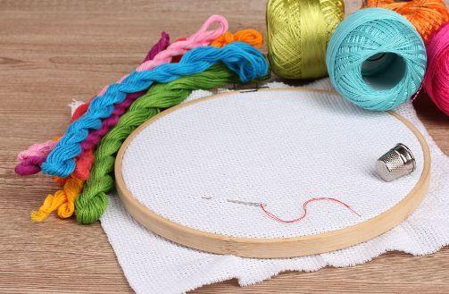 Можно ли беременным вышивать крестиком: при беременности время, почему нельзя, схемы девушек