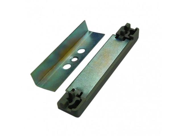 Защелка для балконной двери ПВХ: пластиковая и магнитная, как установить замок и фиксатор самостоятельно