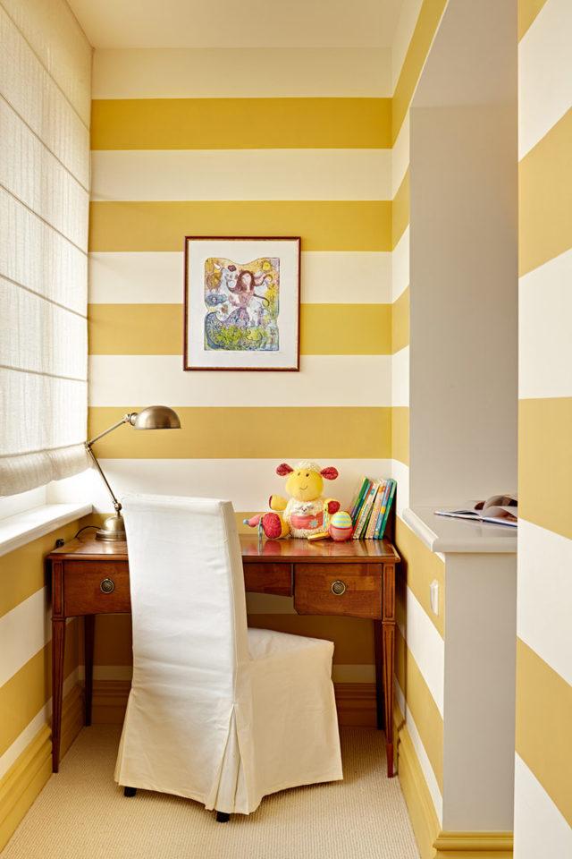 Интересные идеи отделки балкона в хрущевке фото: оформление изнутри и дизайн маленький, квартира внутренняя