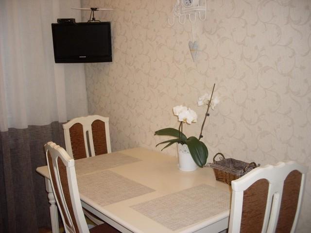 Обои для кухни: фото, для квартиры и для стен, кухонные идеи, флизелиновые красивые, краска и наклейки, ремонт
