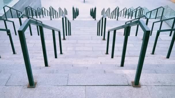 Высота перил на лестнице по ГОСТ: конструкция стандартная, чертеж дома, размеры и расстояние между эскизами