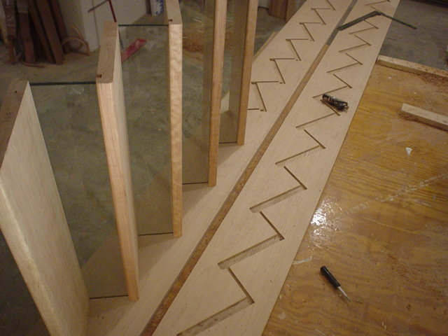 Тетива для лестницы: металлическая, что это такое, крепление и монтаж своими руками, фото, расчет, как сделать гнутые