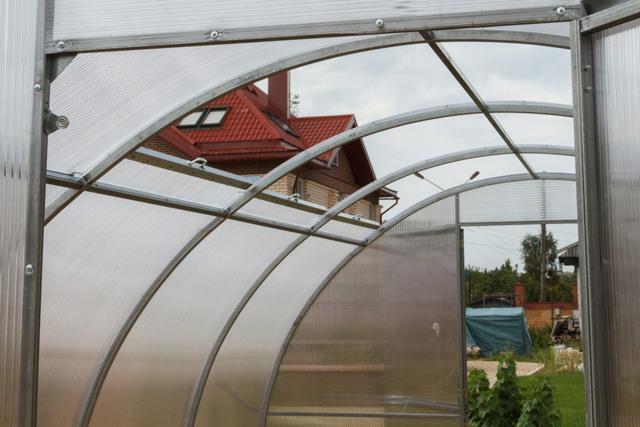 Теплица с раздвижной крышей: парник со сдвижным верхом и дверями отзывы, Орион своими руками, производитель Презента
