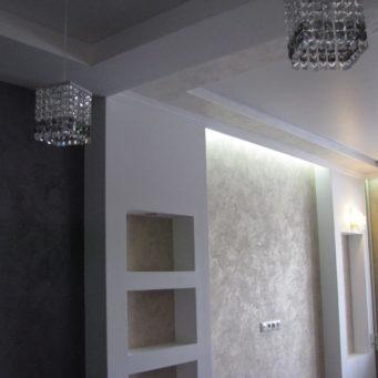 Ниша из гипсокартона с подсветкой: в стене короб, фото, своими руками полки, светодиодный потолок, под телевизор