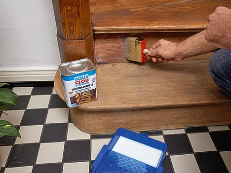 Покраска лестниц своими руками: как и чем покрасить ступени, лаком красят на второй этаж, какой краской