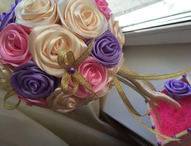 Топиарий из розы: пошаговая инструкция из салфеток, из гофрированной бумаги, как сделать из атласных лент