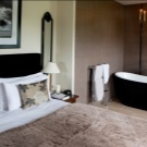 Спальня с ванной и гардеробной: комната с совмещенным дизайном, фото