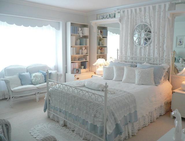 Покрывала на кровать в спальню фото: новинки, как выбрать на 2х спальную, своими руками с оборкой