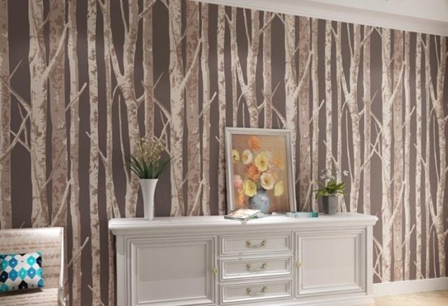 Обои для стен под дерево: имитация в интерьере, фото, наклейки с рисунком деревьев в доме, под доски деревенские