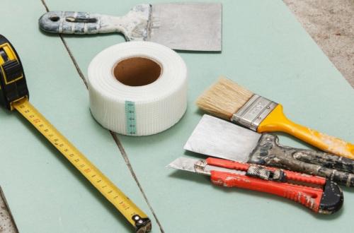 Заделка стыков гипсокартона: как заделать ленту, чем замазать ГКЛ, сетка и отделка